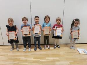 Dzieci, które wzięły udział w konkursie rodzinnym- grupy młodsze