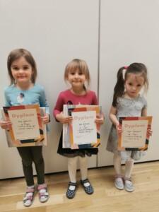 Dzieci, które zajęły I, II i III miejsce w konkursie rodzinnym- grupy młodsze