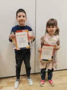 Dzieci, które zajęły I i III miejsce w konkursie rodzinnym- grupy starsze