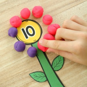 Flower-Math-Activity-with-Play-Dough.-Preschool-Addition-Activity