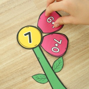Spring-Math-Center-Flower-Addition-Freebie